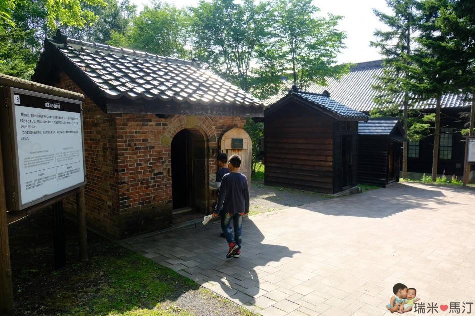 煉瓦造的單人牢房